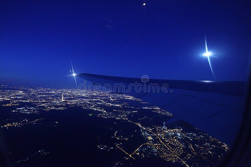 Άποψη νύχτας από το αεροπλάνο στοκ εικόνες