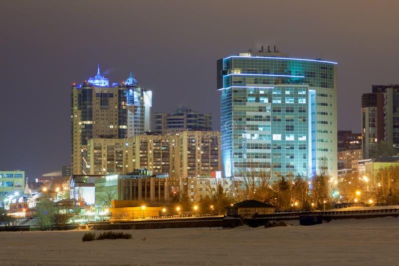 Άποψη νύχτας από το Βόλγα στο κατοικημένο σύνθετο ` Ladya ` στη Samara στοκ εικόνες με δικαίωμα ελεύθερης χρήσης