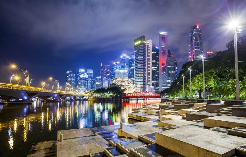 Άποψη νύχτας πόλεων της Σιγκαπούρης στοκ εικόνες με δικαίωμα ελεύθερης χρήσης