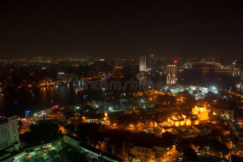 Άποψη νύχτας του Καίρου από τον πύργο του Καίρου στοκ εικόνες