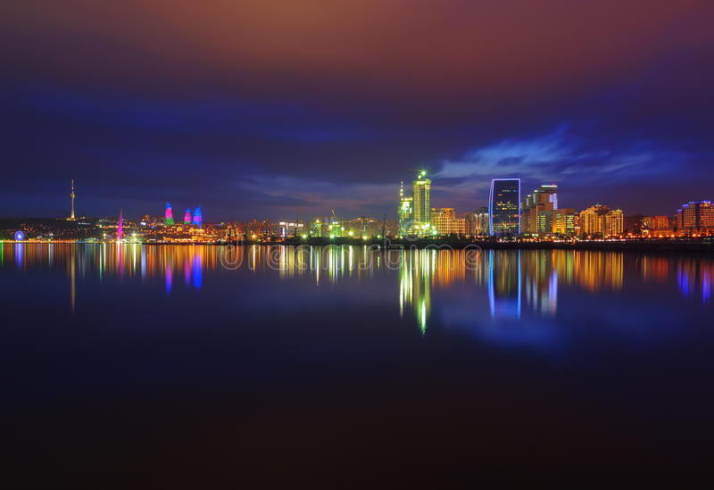 Άποψη νύχτας του Μπακού στοκ εικόνες με δικαίωμα ελεύθερης χρήσης