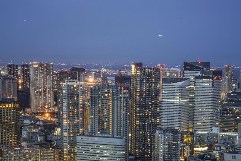 Άποψη νύχτας του Τόκιο από το Caretta Shiodome στοκ εικόνα