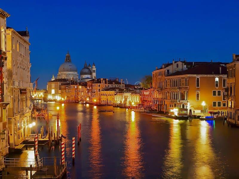 Άποψη νύχτας του Canale Grande στη Βενετία στοκ φωτογραφίες