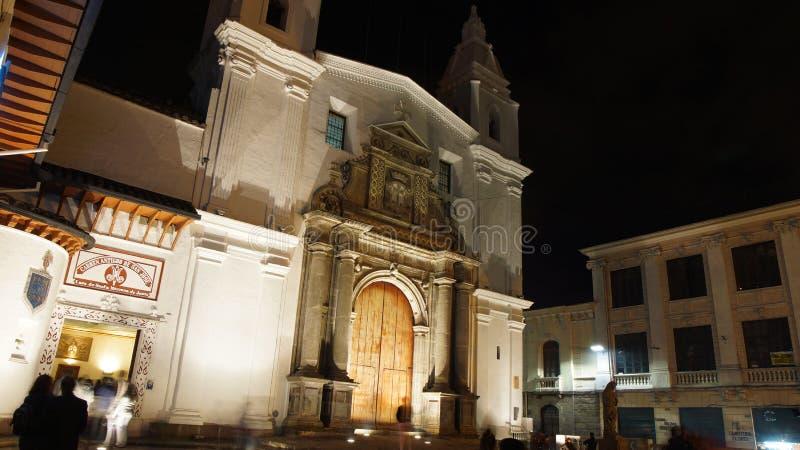 Άποψη νύχτας των τουριστών που μπαίνουν στο μουσείο μέσα στην εκκλησία της EL Carmen Alto που βρίσκεται στο ιστορικό κέντρο της π στοκ φωτογραφίες με δικαίωμα ελεύθερης χρήσης