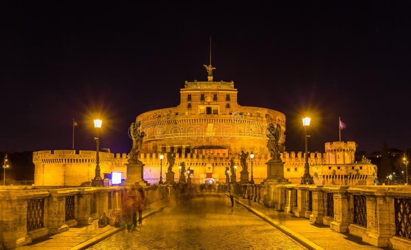 Άποψη νύχτας Castel Sant'Angelo στη Ρώμη στοκ εικόνες