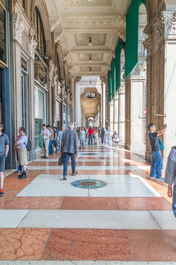 Άποψη οδών για Galleria Vittorio Emanuele ΙΙ στοκ φωτογραφία