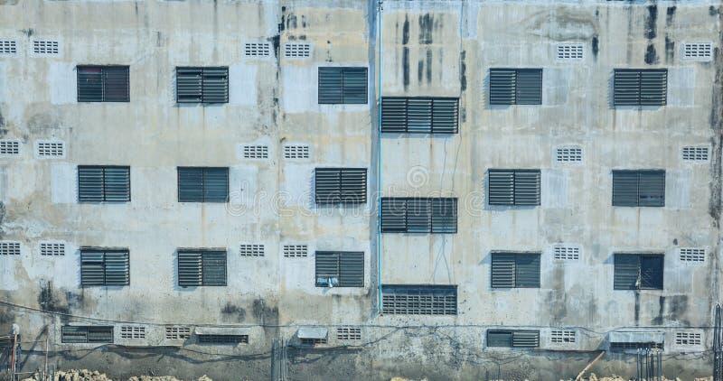 Άποψη οδών της αστικών κατοικημένης δομικής μονάδας, του διαμερίσματος, του εξωτερικού συγκυριαρχιών, του παραθύρου και του υποβά στοκ εικόνα