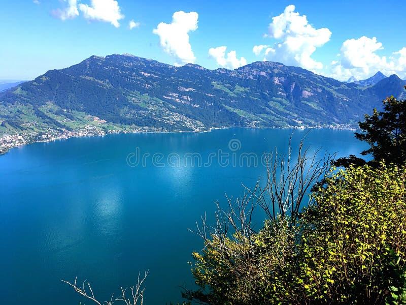 Άποψη ουρανού πέρα από τη λίμνη Λουκέρνη στοκ φωτογραφία με δικαίωμα ελεύθερης χρήσης