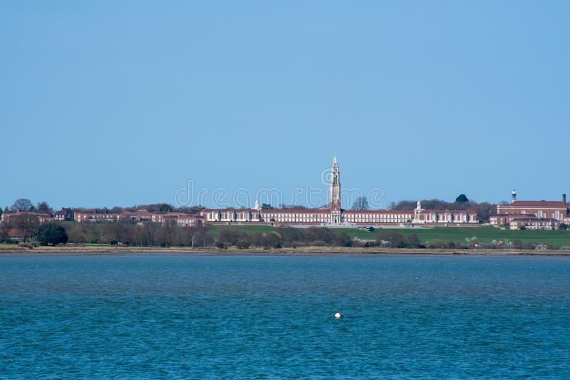 Άποψη πέρα από την εκβολή του βασιλικού σχολείου Shotley νοσοκομείων στοκ φωτογραφίες