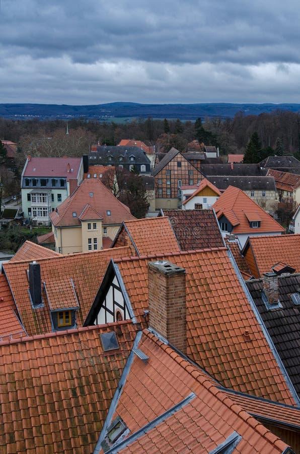 Άποψη πέρα από τις στέγες Quedlinburg στοκ εικόνες