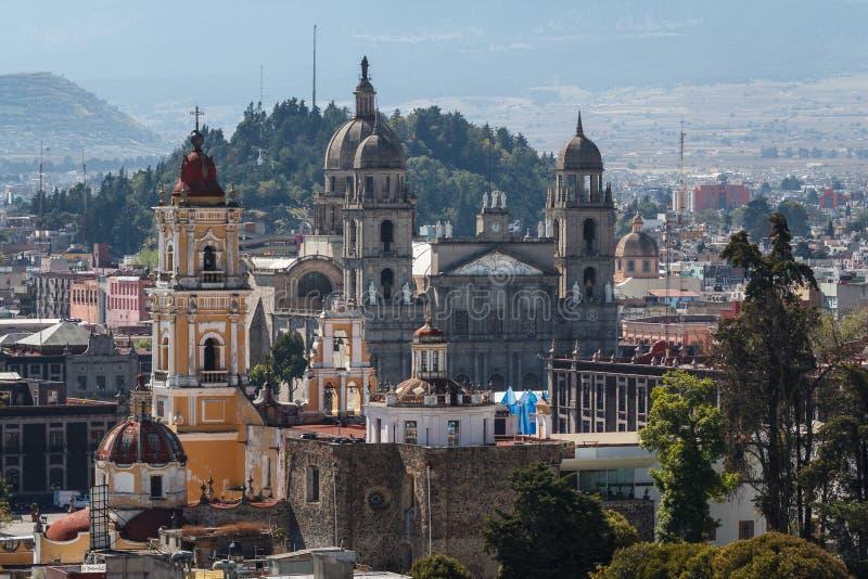 Άποψη πέρα από το αποικιακό ιστορικό κέντρο Toluca στοκ εικόνες