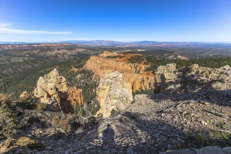 Άποψη πέρα από το ευρύ τοπίο φαραγγιών του Bryce, Γιούτα στοκ εικόνα