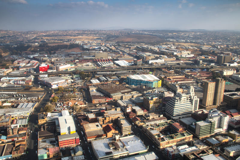 Άποψη πέρα από το στο κέντρο της πόλης Γιοχάνεσμπουργκ στη Νότια Αφρική στοκ εικόνες με δικαίωμα ελεύθερης χρήσης