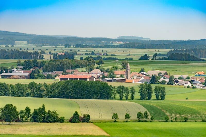 Άποψη πέρα από το χωριό Gastern χαμηλότερη Αυστρία το καλοκαίρι στοκ φωτογραφία με δικαίωμα ελεύθερης χρήσης