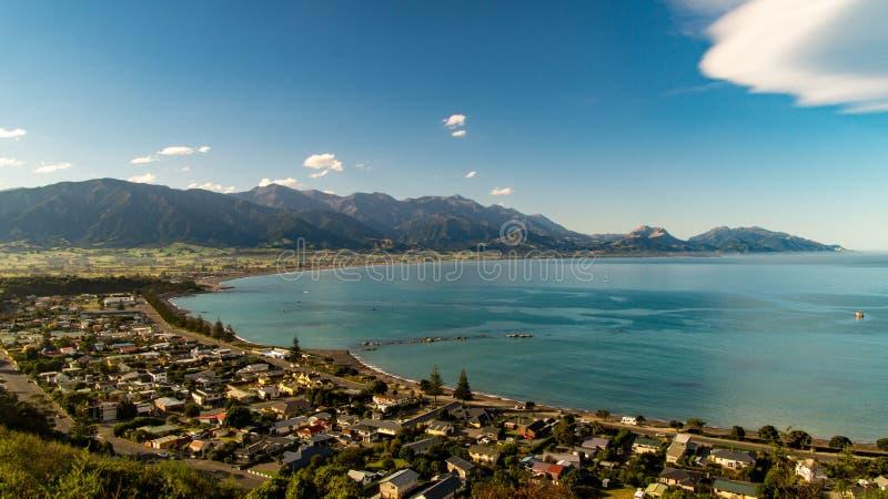 Άποψη πέρα από Kaikoura και τα βουνά στοκ εικόνες με δικαίωμα ελεύθερης χρήσης