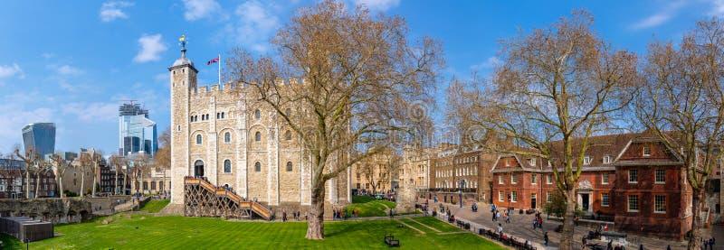 Άποψη πανοράματος του εσωτερικού πύργου του ναυπηγείου του Λονδίνου στοκ φωτογραφίες
