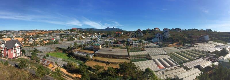 Άποψη πανοράματος των ορεινών περιοχών Dalat σε ήχο καμπάνας Lam, Βιετνάμ στοκ φωτογραφίες