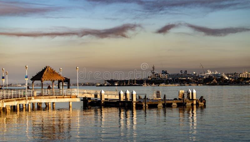 Άποψη παραλιών ξημερωμάτων από το νησί Coronado, Καλιφόρνια στοκ φωτογραφία με δικαίωμα ελεύθερης χρήσης