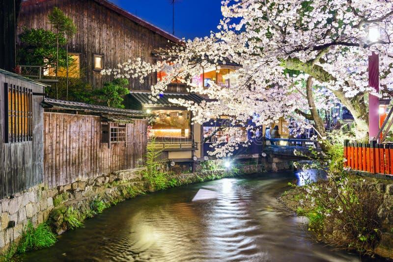 Άποψη ποταμών ανοίξεων του Κιότο, Ιαπωνία στοκ εικόνες