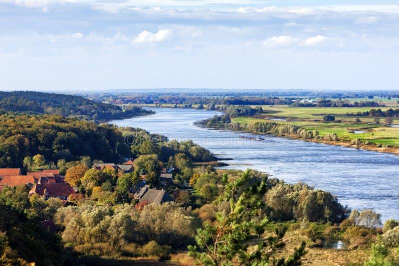Άποψη ποταμών Elbe από την κορυφογραμμή Drawehn στοκ φωτογραφία με δικαίωμα ελεύθερης χρήσης