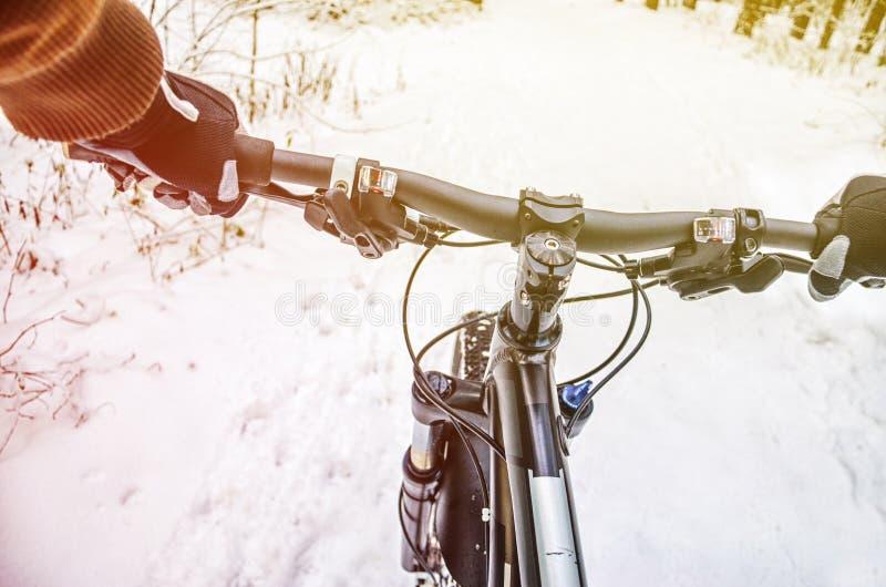 Άποψη πρώτος-προσώπων του ποδηλάτη στοκ φωτογραφίες με δικαίωμα ελεύθερης χρήσης