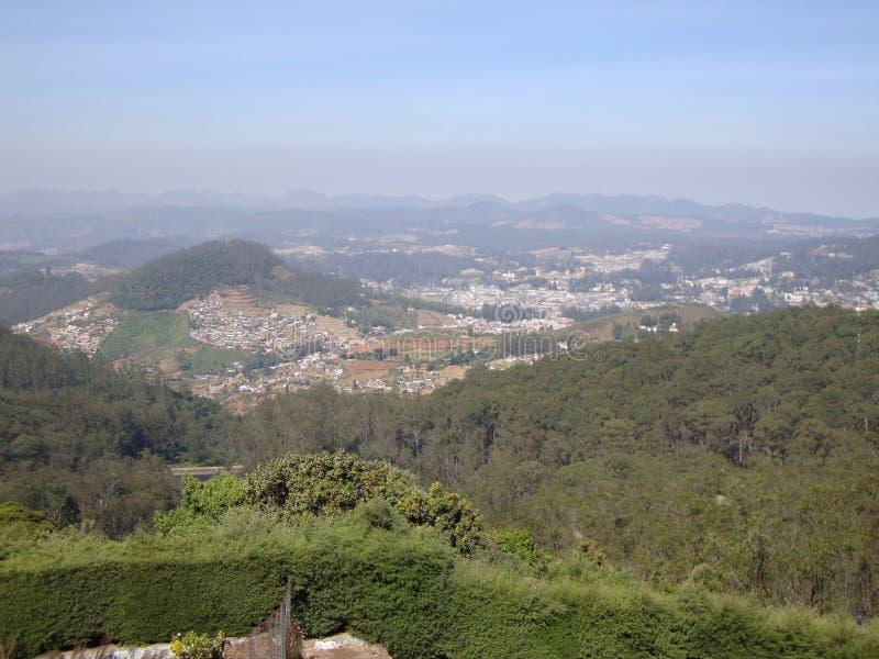 Άποψη πόλεων από την κορυφή στοκ εικόνες