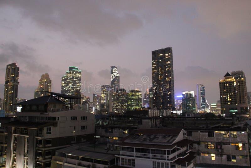 Πόλη Άποψη πόλεων της Μπανγκόκ τή νύχτα στοκ φωτογραφίες