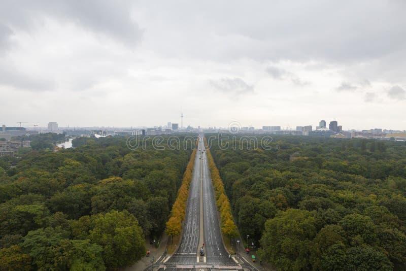 Άποψη πόλεων του Βερολίνου από τη στήλη νίκης στοκ εικόνα