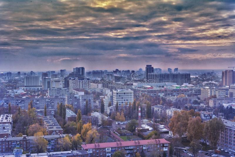 Άποψη πόλεων Krasnodar που υποστηρίζεται άνωθεν με έναν κηφήνα στοκ εικόνες με δικαίωμα ελεύθερης χρήσης