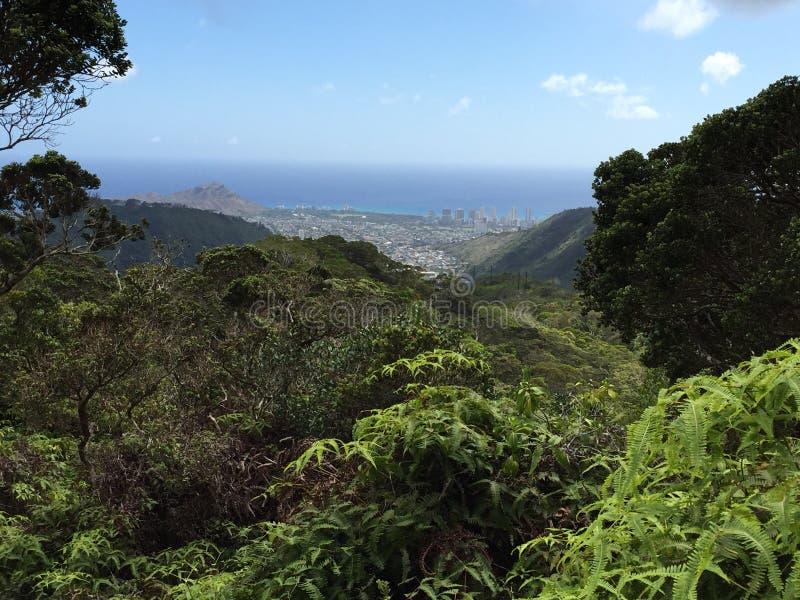 Άποψη πόλεων κρατήρων Ka'au στοκ φωτογραφία