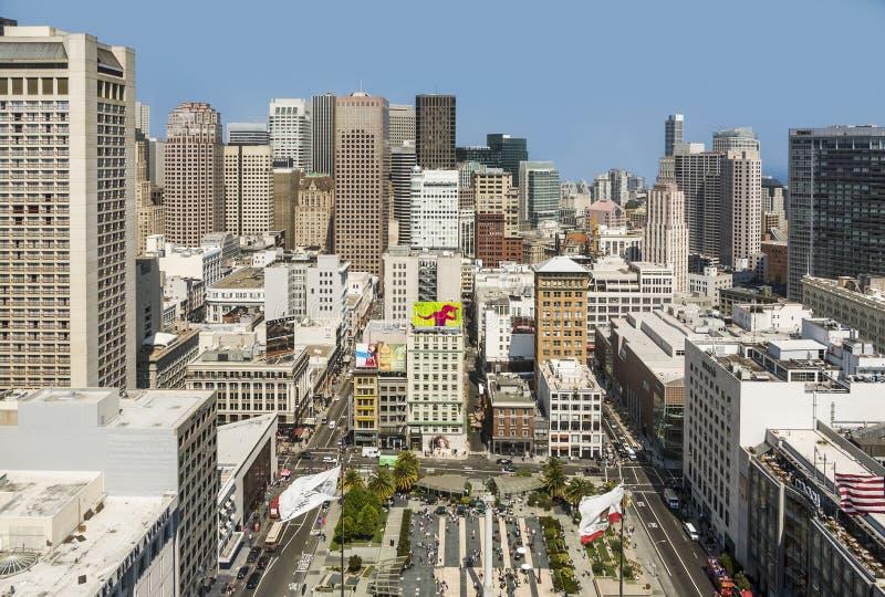 Άποψη πόλεων του Σαν Φρανσίσκο στη μεσημβρία από την πλατφόρμα παρατήρησης στοκ εικόνες