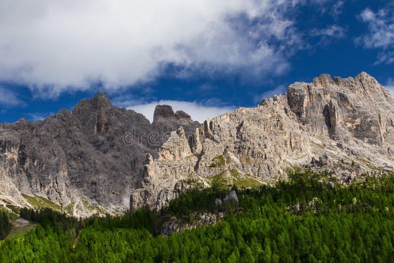Άποψη στα βουνά δολομιτών, Ιταλία, Ευρώπη στοκ εικόνες