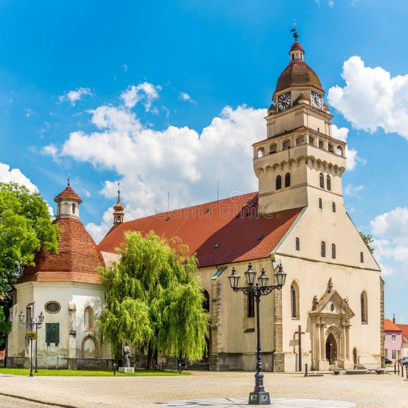 Άποψη στην εκκλησία Αγίου Michael σε Skalica - τη Σλοβακία στοκ εικόνα με δικαίωμα ελεύθερης χρήσης