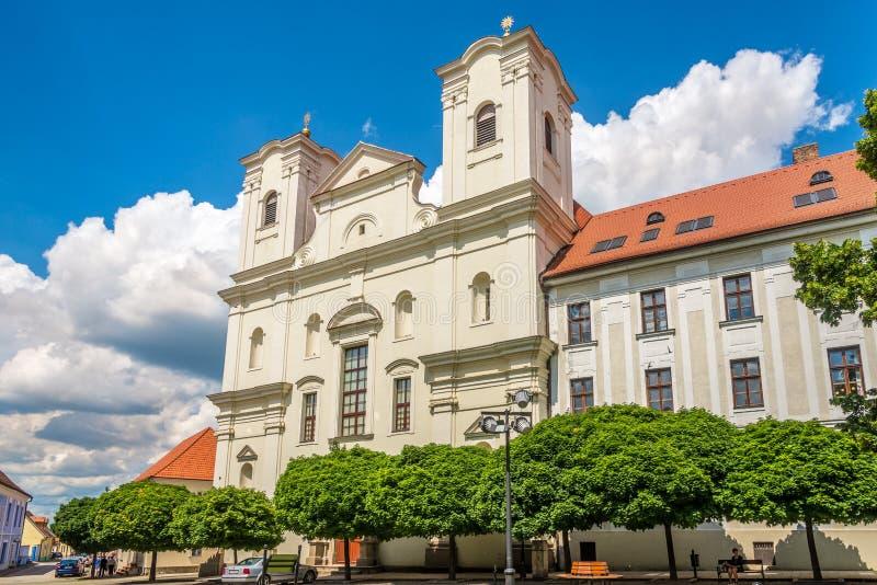 Άποψη στην εκκλησία Jesuit σε Skalica - τη Σλοβακία στοκ φωτογραφίες