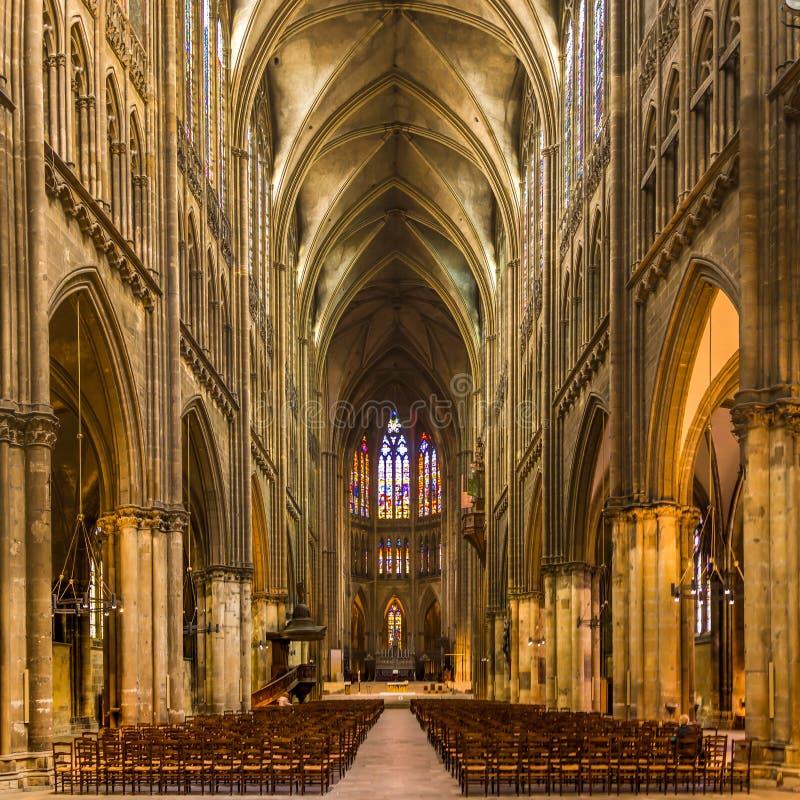 Άποψη στη χορωδία του καθεδρικού ναού Αγίου Stephens στο Μετς - τη Γαλλία στοκ εικόνα