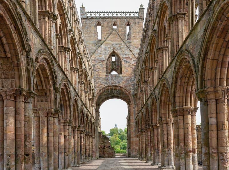 Άποψη στις καταστροφές του αβαείου Jedburgh στα σκωτσέζικα σύνορα στοκ εικόνα με δικαίωμα ελεύθερης χρήσης