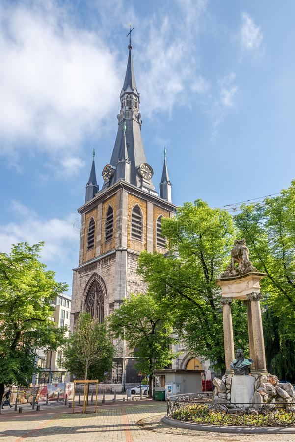 Άποψη στο καμπαναριό του καθεδρικού ναού Saint-Paul στη Λιέγη - το Βέλγιο στοκ εικόνα με δικαίωμα ελεύθερης χρήσης