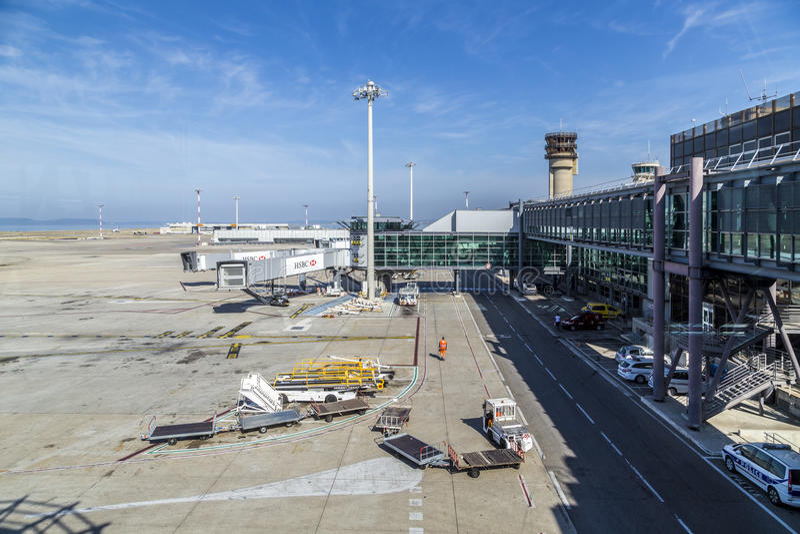Άποψη στο νέο τερματικό στον αερολιμένα της Μασσαλίας στοκ εικόνα