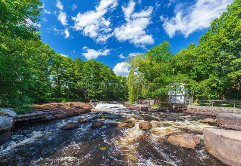 Άποψη στο σουηδικό ποταμό Morrum σε Blekinge στοκ φωτογραφία