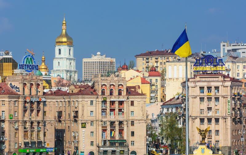 Άποψη σχετικά με τα τετραγωνικά παλαιά κτήρια ανεξαρτησίας στο Κίεβο, Ουκρανία στοκ εικόνες