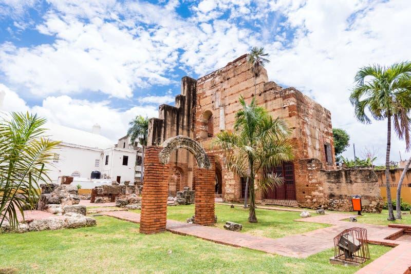 Άποψη σχετικά με τις καταστροφές του νοσοκομείου του ST Nicolas του Μπάρι, Santo Domingo, Δομινικανή Δημοκρατία Διάστημα αντιγράφ στοκ φωτογραφία
