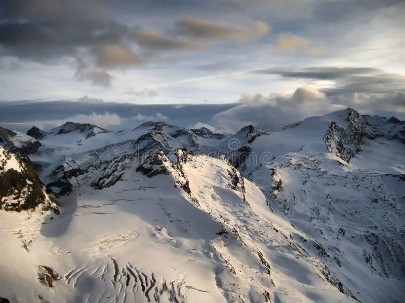 Άποψη σχετικά με τον παγετώνα στο ηλιοβασίλεμα το βράδυ στοκ φωτογραφίες με δικαίωμα ελεύθερης χρήσης