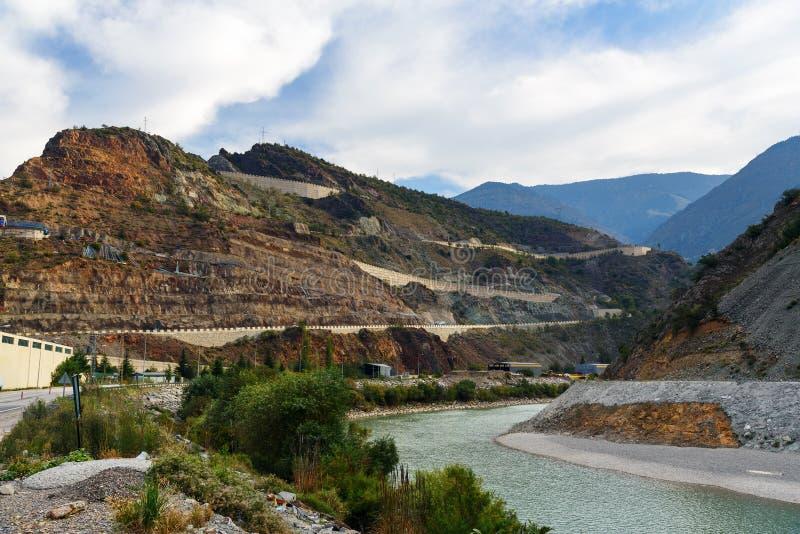 Άποψη σχετικά με τον ποταμό Coruh Artvin Τουρκία στοκ εικόνες