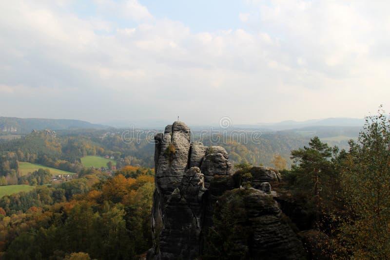 Άποψη σχετικά με το όμορφο τοπίο στη Δρέσδη Sachsen Γερμανία στοκ εικόνες