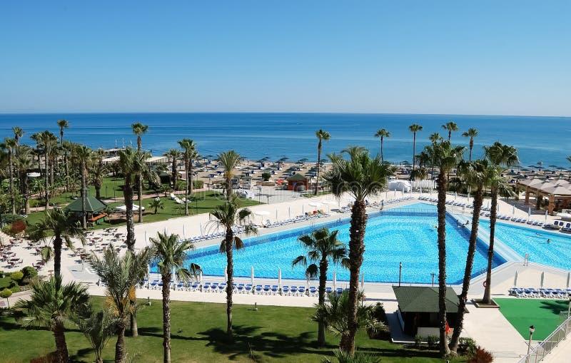 Άποψη της λίμνης και της παραλίας από το ξενοδοχείο στοκ εικόνες με δικαίωμα ελεύθερης χρήσης