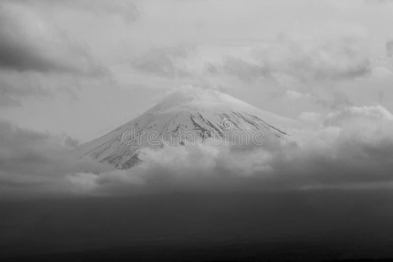 Άποψη της ΑΜ Φούτζι, Ιαπωνία σε γραπτό στοκ εικόνες