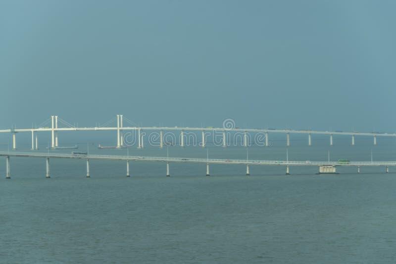 Άποψη της γέφυρας στο Μακάο στοκ εικόνες