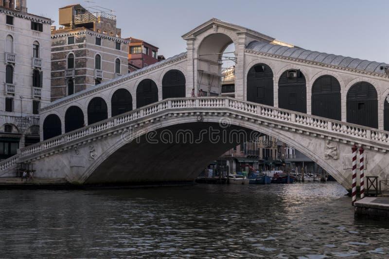 Άποψη της γέφυρας Rialto, Βενετία στοκ φωτογραφίες με δικαίωμα ελεύθερης χρήσης
