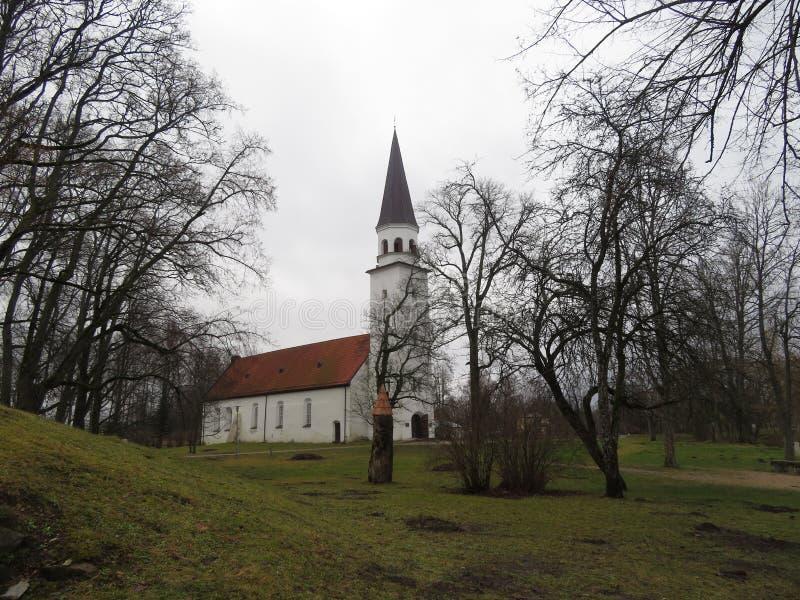 Άποψη της εβαγγελικής λουθηρανικής εκκλησίας σε Sigulda στοκ εικόνα με δικαίωμα ελεύθερης χρήσης