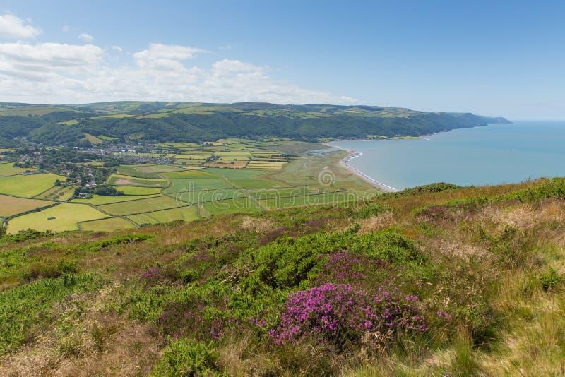 Άποψη της επαρχίας Somerset Αγγλία UK Porlock από τον περίπατο στην όμορφη επαρχία Bossington κοντά σε Exmoor στοκ φωτογραφία